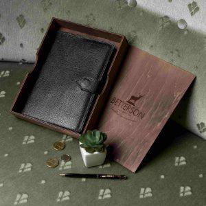 3fe3a0c47733 ... или расписные обрезы страниц украшают изделие, радуют глаз и добавляют  праздничности подарку. Не думайте, что блокнот – слишком обыденный подарок.