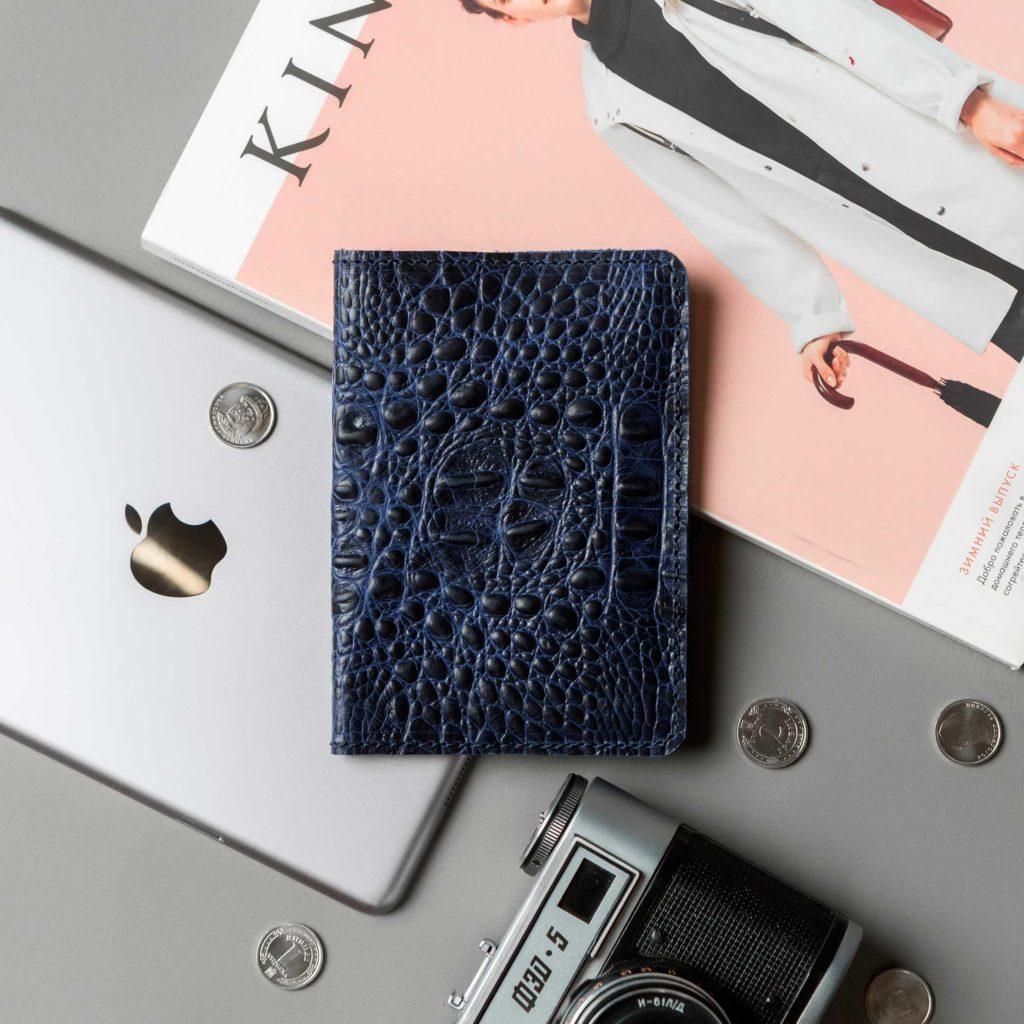 Обложка для паспорта // DOCO // Croco Blue